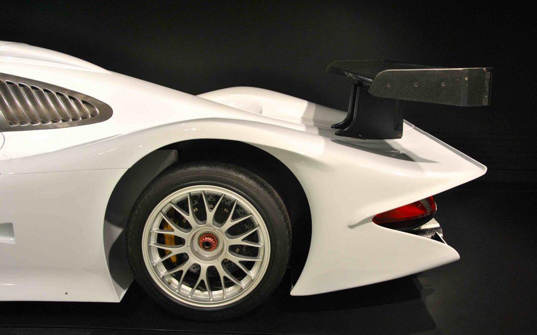 BMW Museum (Munique) vs. Porsche Museum (Estugarda)
